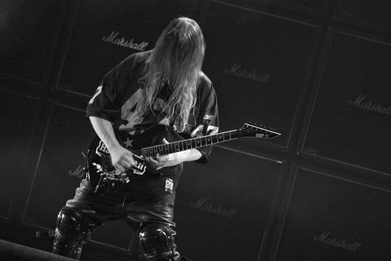 Slayer Guitarist and Founder Jeff Hanneman Dies at 49